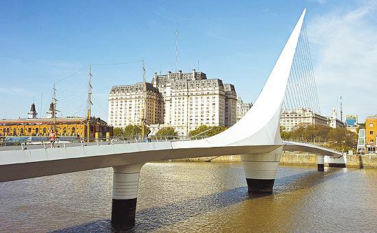 Ponte da Mulher, em Puerto Madero, Buenos Aires; trem ligará cidade a Montevidéu